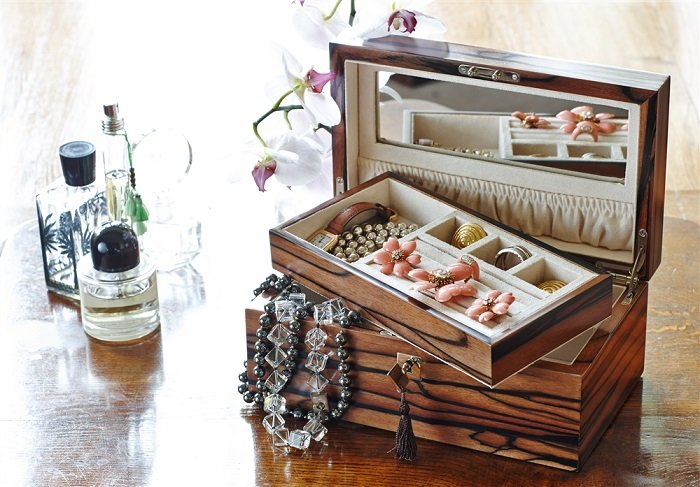 wooden jewellery box to gift your wife on this karwa chauth